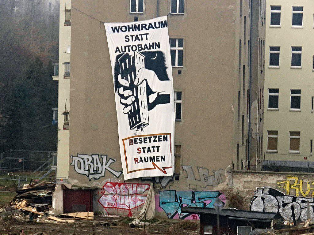 Wohnraum Statt Autobahn - Transparent in der Beermannstraße 1024